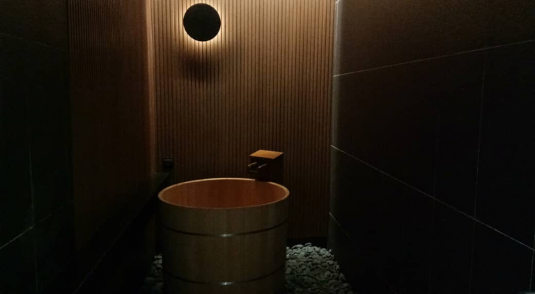 room with onsen bath tub