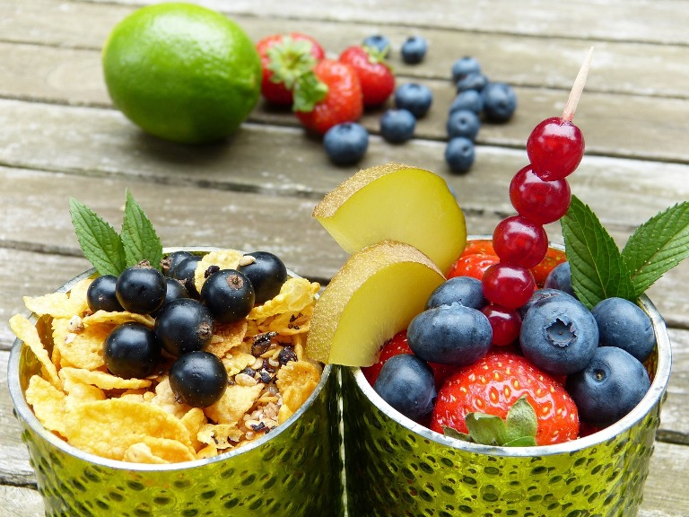 cereal and fresh fruits