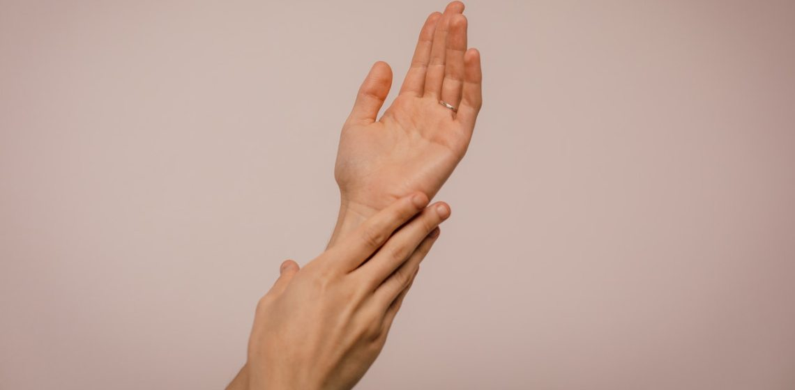 keep hands looking young