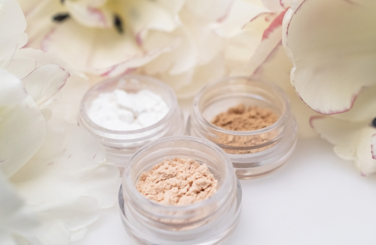 mineral face powder foundation